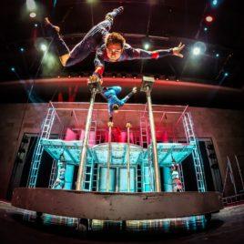Cirque troupe