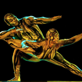 Duo Statue Act