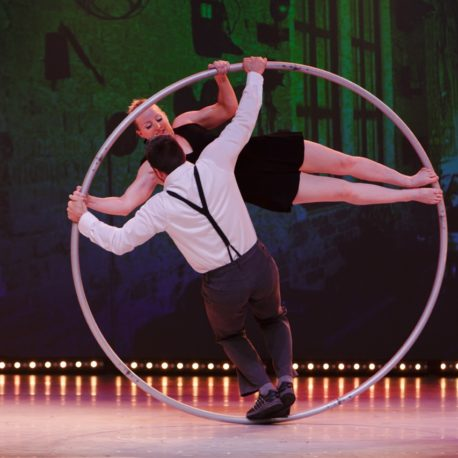 Duo Pile ou Face Discipline: Duo Cyr Wheel Artists: Philippe Renaud, Shannon Maguire Country: Canada, USA