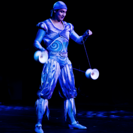 Diabolo Juggling Act
