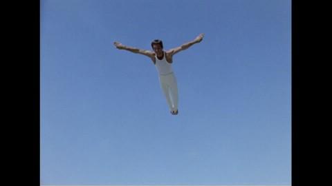 316 trampolinist