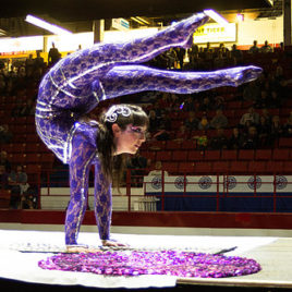Contortion Blanket spinning Act