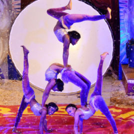 8 Female Group Contortion Act