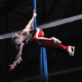 Cirque On Ice Team