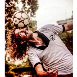 Football juggling Act / Contortion / Streep performer