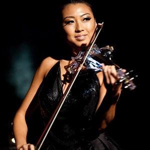 010 Violinist
