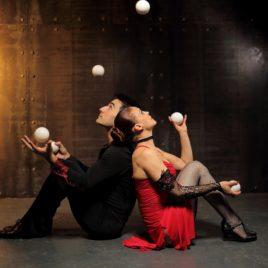 Duo Ball Juggling act